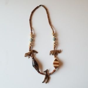 Jewelry - Unique carved African animals necklace